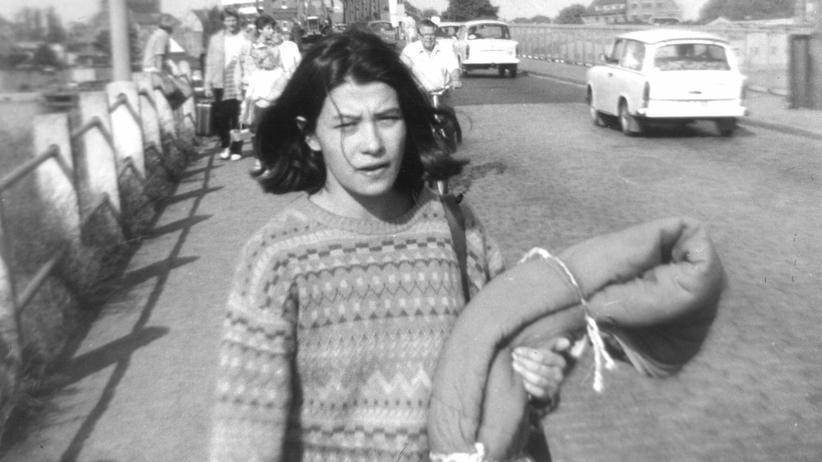 Ostdeutschland:  Angelika Nguyen 1984 in der DDR, Rügendamm
