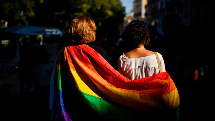 EuGH-Urteil: Gleichgeschlechtliche Ehepartner haben EU-Aufenthaltsrecht