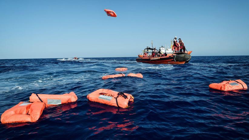 Libyen: 100 Flüchtlinge im Mittelmeer vermisst