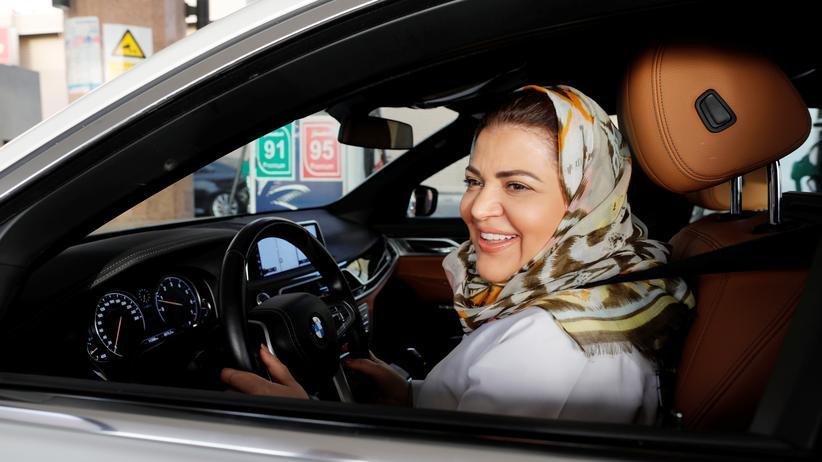 Saudi-Arabien: Saudische Frauen feiern Ende des Fahrverbots