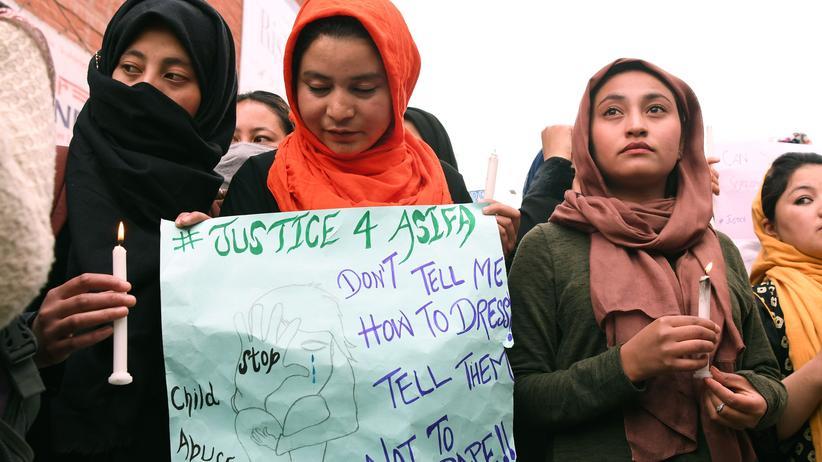 Indien: 17 Männer wegen Vergewaltigung einer Zwölfjährigen angeklagt