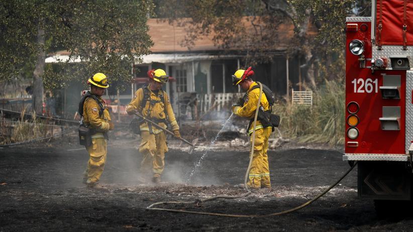 Kalifornien: 37.000 Menschen an der Westküste müssen vor Waldbränden fliehen