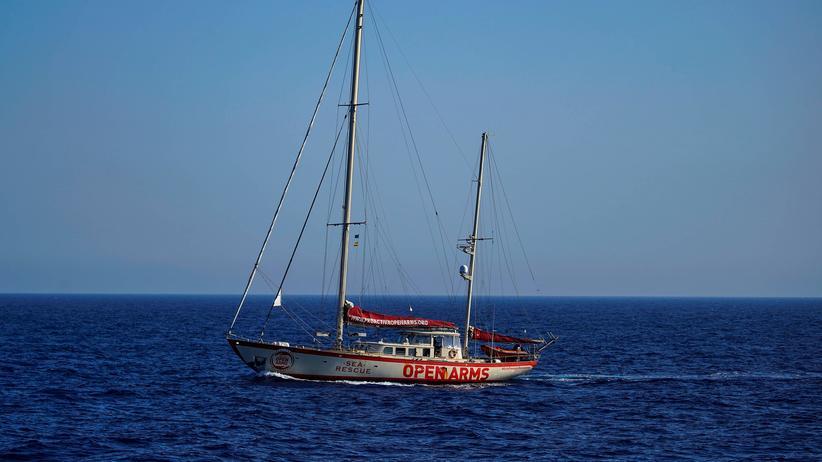"""Mittelmeer: Das Rettungsschiff """"Astral"""" der Nichtregierungsorganisation Proactiva Open Arms auf dem Mittelmeer"""