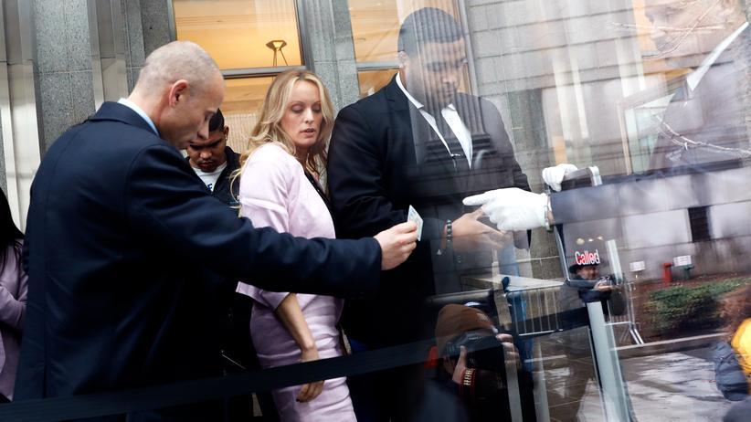 Schweigegeld-Affäre: Stormy Daniels vor einem Gericht in New York