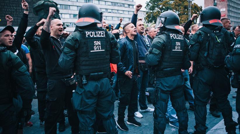 Chemnitz: In Chemnitz gibt es seit Jahrzehnten eine rechte Szene. Sie war in letzter Zeit kaum aktiv und zersplittert, doch ihre Basis blieb.