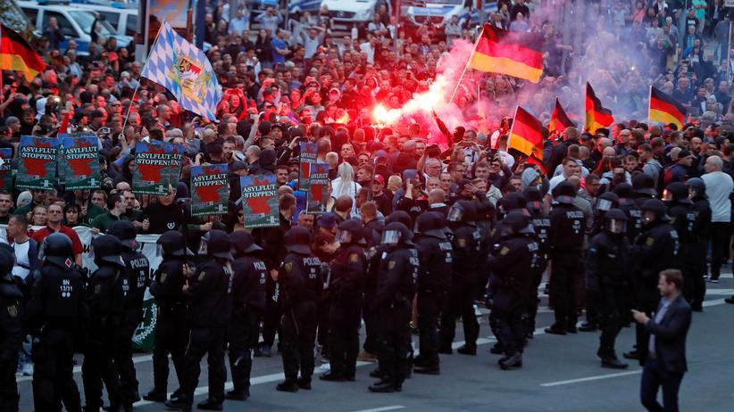Demonstrationen: Verletzte bei rechten Protesten in Chemnitz