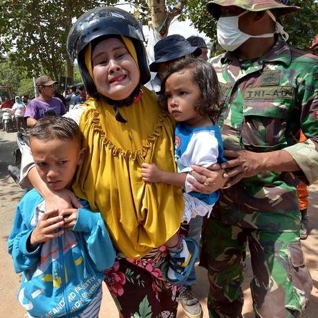 Indonesien: Eine Ferieninsel in Trümmern