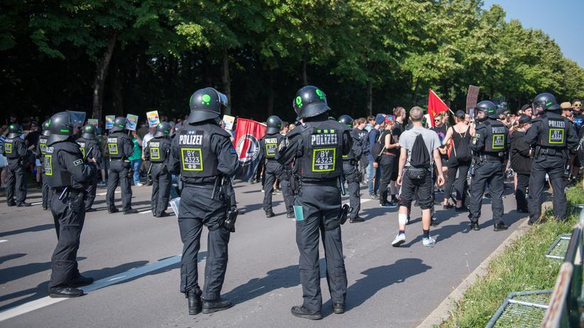 Musterpolizeigesetz: Polizei in Bayern: Sie dürfen mehr als ihre Kollegen in anderen Bundesländern.