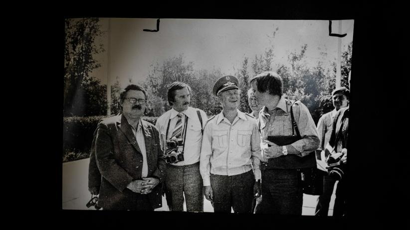Sigmund Jähn: Der Journalist Gerd Kowalski mit Sigmund Jähn, 1978