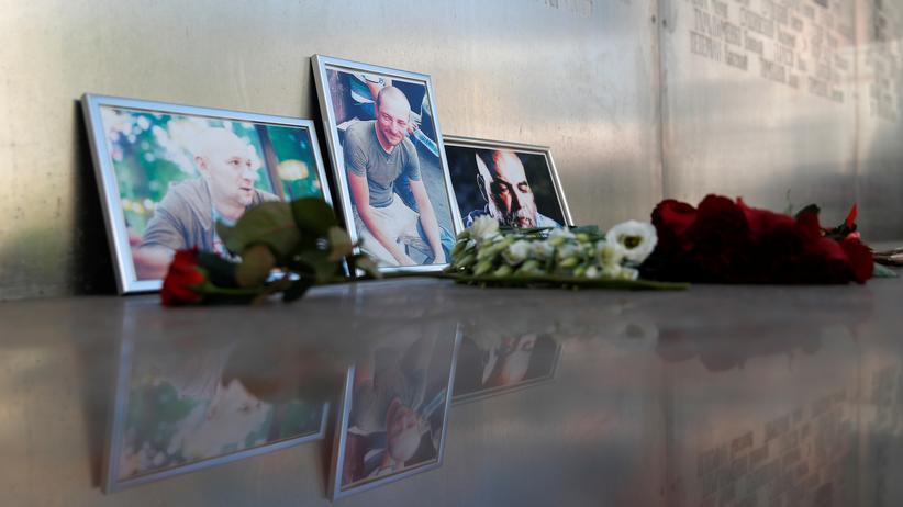 Zentralafrikanische Republik: Bilder der drei Journalisten, die nach Angaben des Kremlkritikers Michail Chodorkowski in der Zentralafrikanischen Republik getötet wurden.
