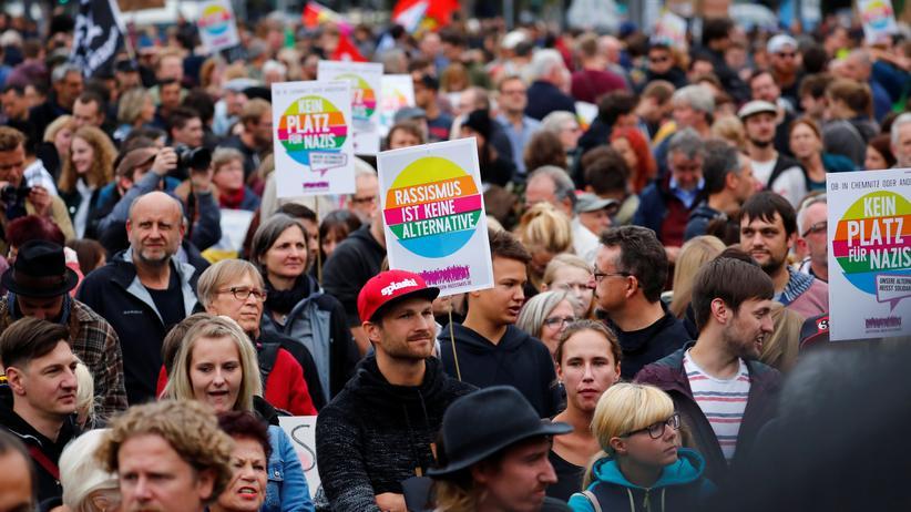 """Chemnitz: Demonstration """"Herz statt Hetze"""" in Chemnitz"""