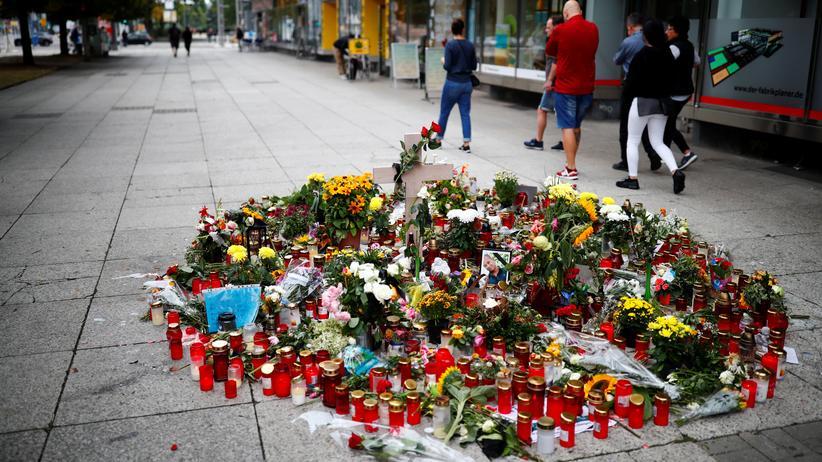 Chemnitz: Gedenken an den 35-Jährigen, der in Chemnitz mit einem Messer getötet worden war