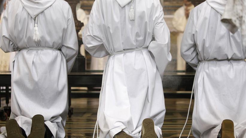 Sexueller Missbrauch in katholischer Kirche: Auch Täter stiegen auf