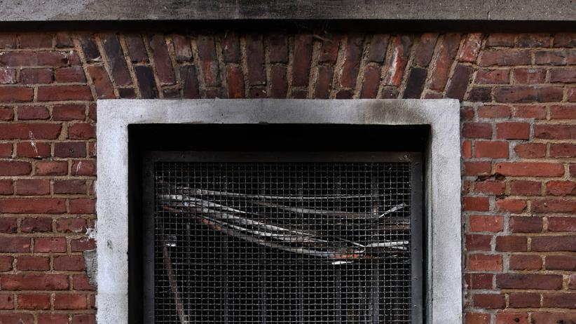 JVA Kleve: Das Fenster der Zelle der JVA Kleve, in der Ahmed A. verbrannte.