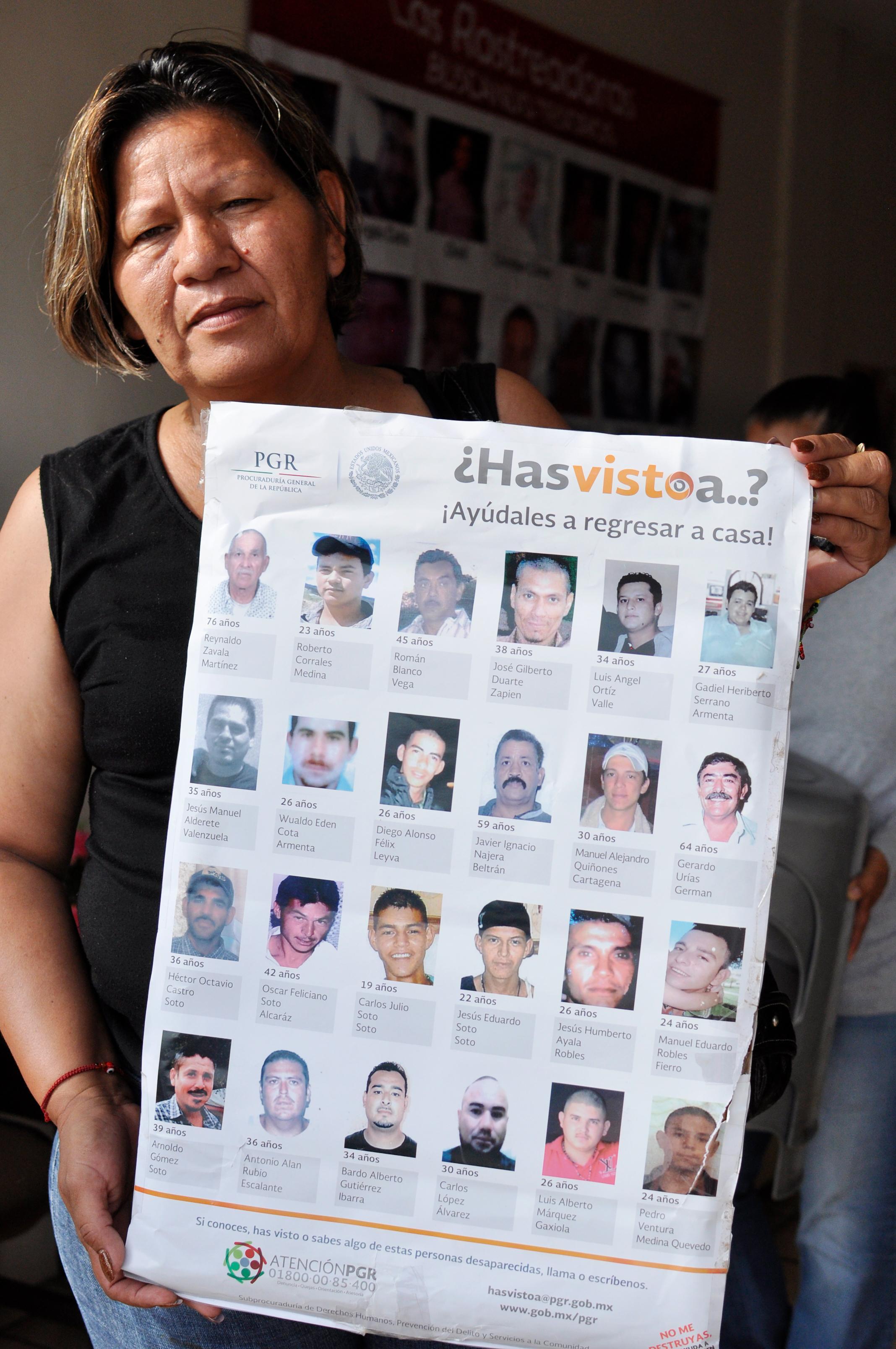 Mexiko: Mirna Medina, die Gründerin der Gruppe, mit einem Suchplakat