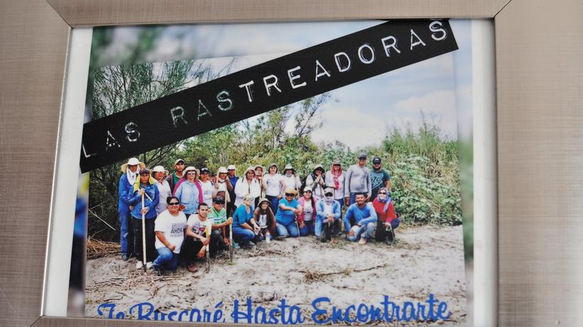"""Mexiko: Ein Gruppenfoto im Büro der """"Rastreadoras"""""""
