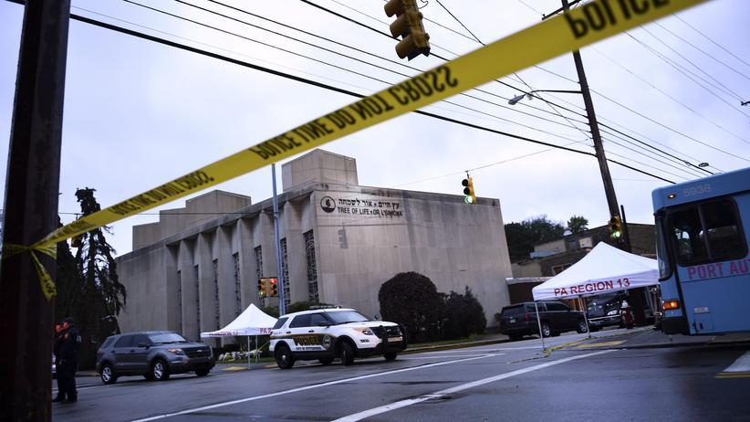 Pittsburgh: Polizei sperrt das Gelände rund um die Tree-of-Life-Synagoge in Pittsburgh (US-Bundesstaat Pennsylvania).