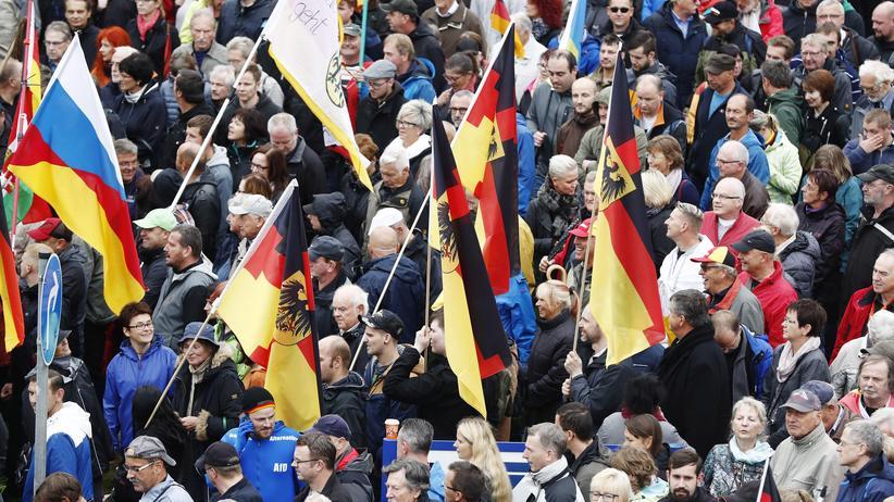 Rechtsextremismus: 200 Ermittlungsverfahren gegen Pegida-Anhänger