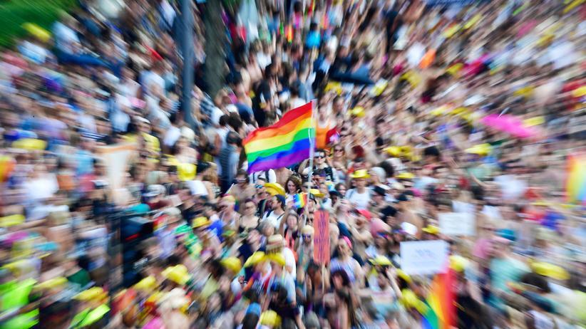 Gewalt gegen sexuelle Minderheiten: Dutzende Angriffe gegen LGBTIQ in Berlin