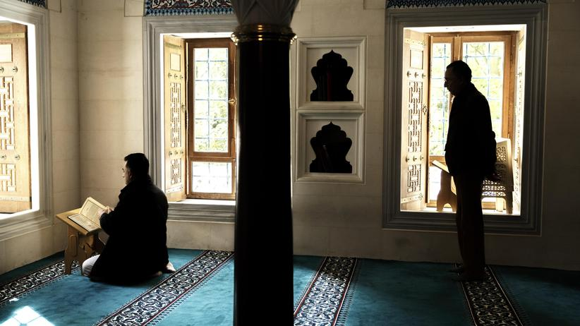 Initiative Säkularer Islam: Besucher der Şehitlik-Moschee in Berlin