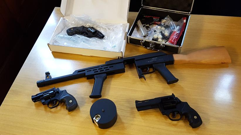 Urteil: Waffen unterm Weihnachtsbaum