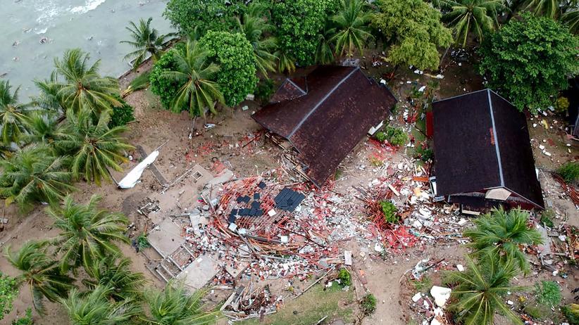 Sumatra und Java: Viele Tote durch Tsunami in Indonesien