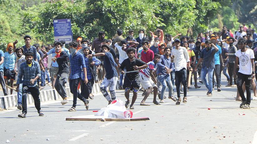 Hindu-Tempel: Ein Toter nach Protesten gegen Tempelbesuch zweier Frauen