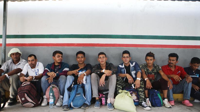 Mexiko: Tausende Migranten bewerben sich um Visa