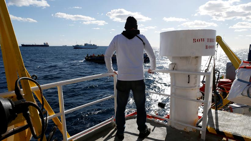 Seenotrettung: Italien will gerettete Mütter und Kinder von Schiffen aufnehmen