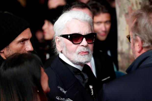 Modeschöpfer: German designer Karl Lagerfeld arrives to attend the official switching on the Christmas lights on the Champs-Elysees avenue in Paris, France, November 22, 2018. REUTERS/Benoit Tessier - RC18B74BF740