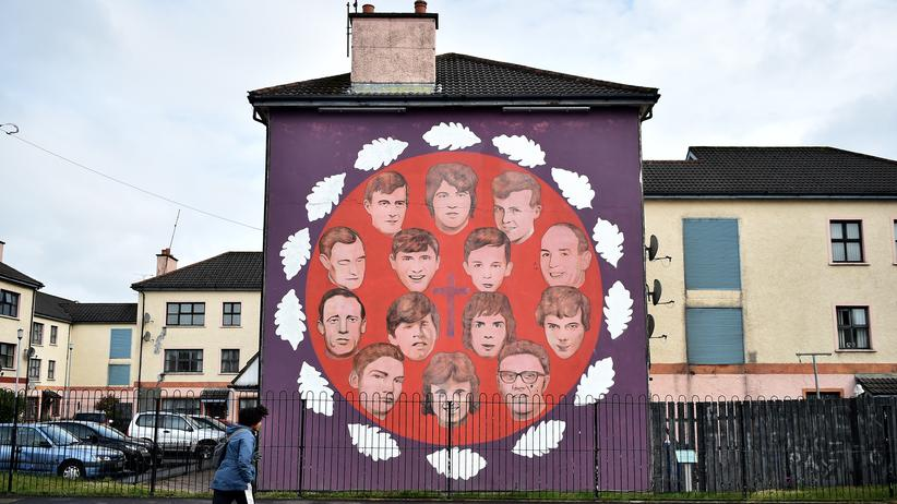 Bloody Sunday: Eine Wandmalerei in der nordirischen Stadt Londonderry gedenkt der 14 Opfer des sogenannten Bloody Sunday von 1972.