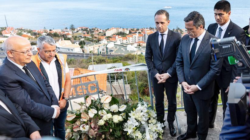 Busunglück: Bundesaßenminister Heiko Maas besuchte die Unglücksstelle auf Madeira.
