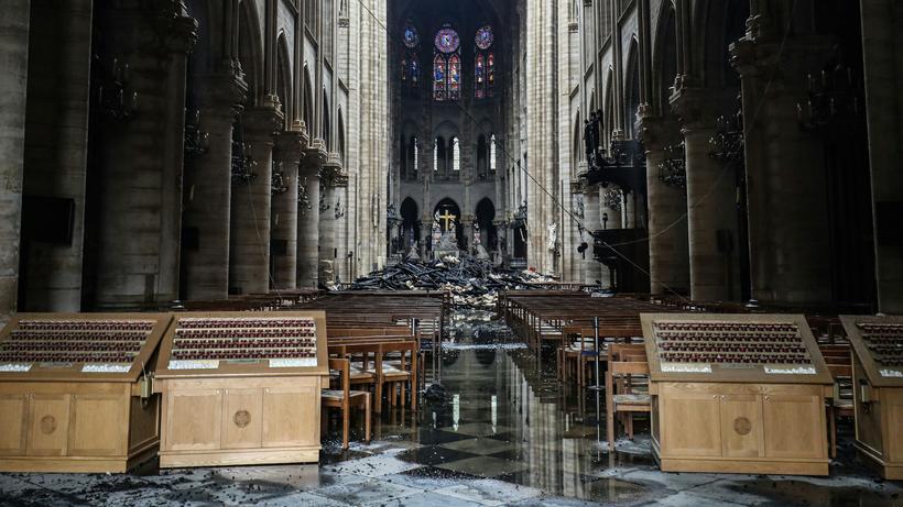 Die Notre-Dame Kathedrale von innen am 16. April 2019.