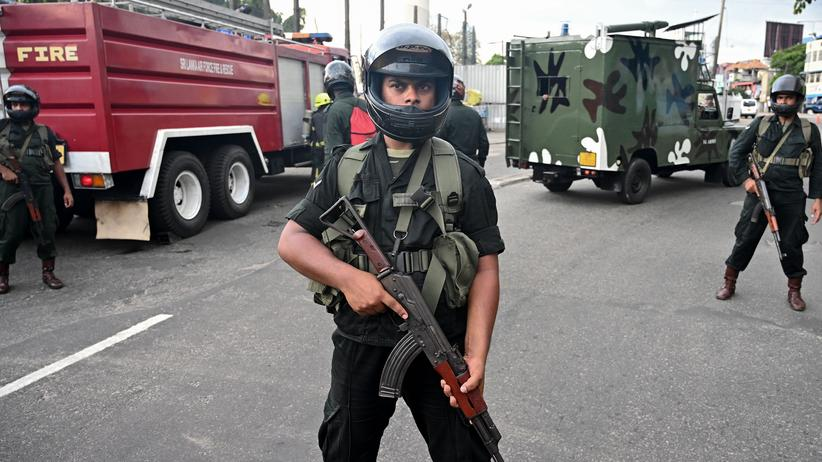 """Terror in Sri Lanka: """"Islamischer Staat"""" reklamiert Anschläge für sich"""