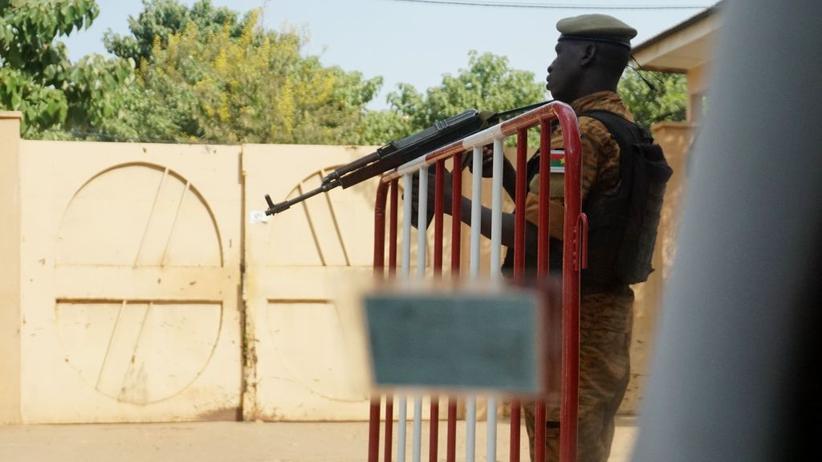 Burkina Faso: Angreifer erschießen mindestens sechs Gottesdienstbesucher