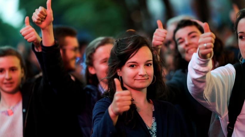 Frankreich: Ärzte müssen Behandlung von Komapatient wieder aufnehmen