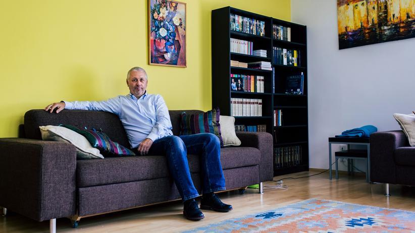 """Tschechien: Vladimir Hepner zuhause in Prag. Er treibt viel Sport und nennt Europa einen """"Wirtschaftsraum""""."""
