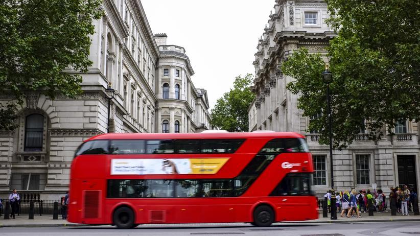 Homophobie : Verdächtige nach Angriff auf lesbisches Paar in London festgenommen
