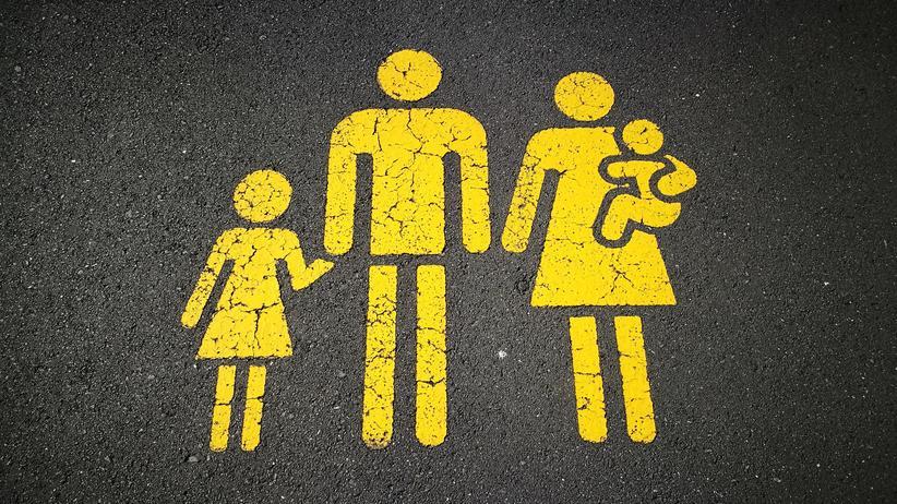 Katholische Kirche: Die katholische Kirche befürwortet ein traditionelles Geschlechterbild in einer traditionellen Familie.