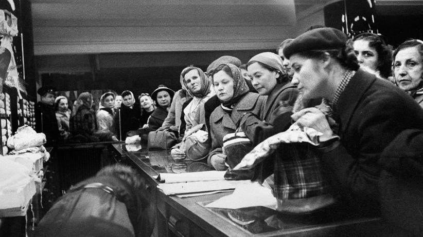 Verkäuferin in der DDR: Die Kundinnen waren im Schlangestehen geübt