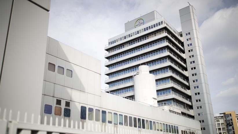 Glyphosat: Der Sitz des deutschen Pharma- und Agrarchemiekonzerns Bayer in Berlin. Im Zuge der Glyphosat-Prozesse in den USA ist Bayer 2019 am Markt eingebrochen.