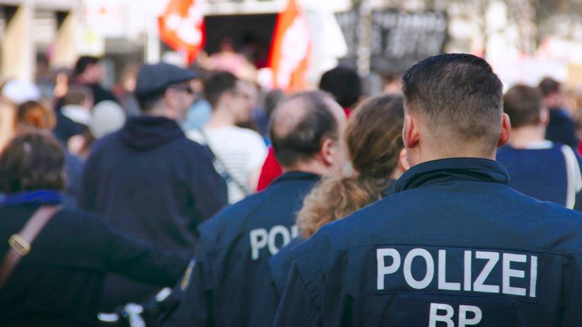 """Rechte Polizisten: """"Politiker wecken Erwartungen, die nicht erfüllbar sind"""""""