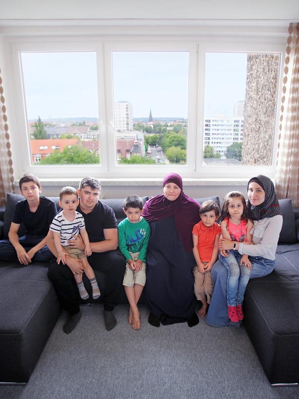 DDR: Familie Satueva aus Tschetschenien: Kann mit der DDR wenig anfangen.