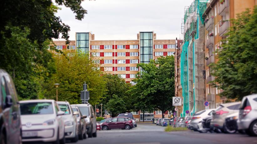 DDR: Der Plattenbau in Dresden verändert sich: Es könnte teurer werden.