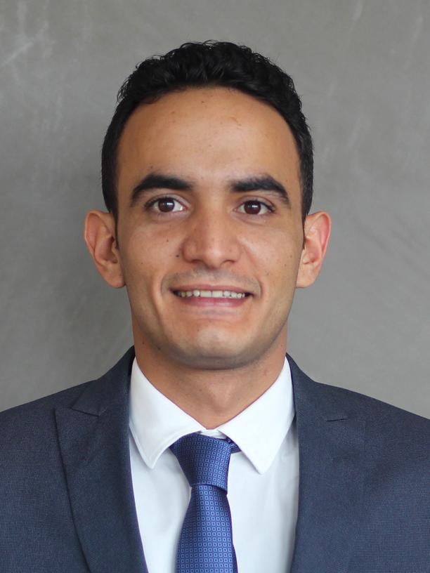 Farea Al-Muslimi hat den Thinktank Sanaa Center for Strategic Studies gegründet und ist Mitglied des Londoner Thinktanks Chatham House. Seine Spezialgebiete sind unter anderem Jemen und Saudi-Arabien. Er lernte Jamal Khashoggi 2009 bei einer Konferenz kennen.