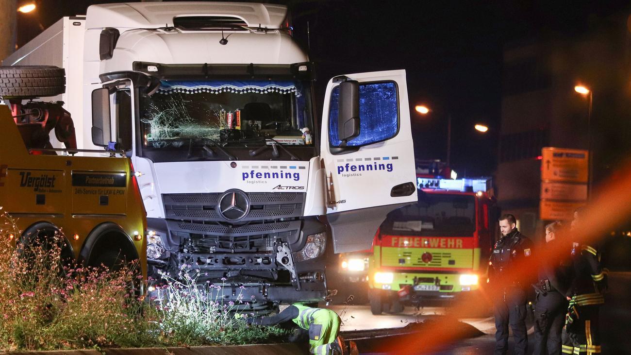 Lastwagen-Unfall: Polizei wertet LKW-Tat in Limburg nicht als Terror