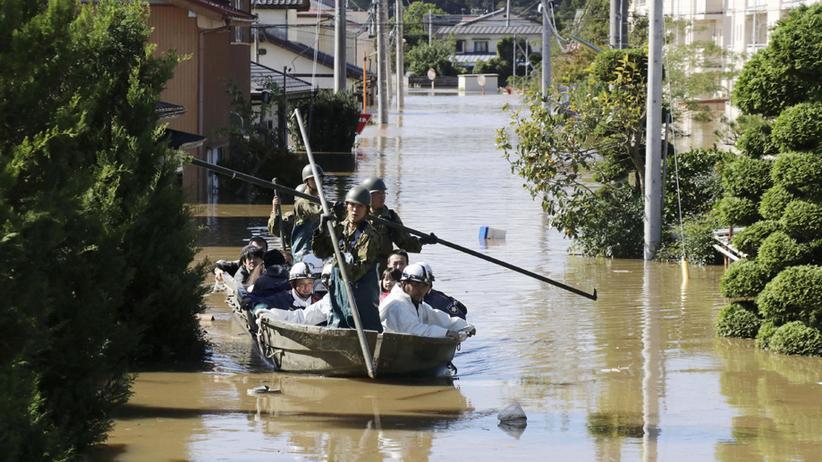 Taifun Hagibis: Sturm, Regen und Schlamm