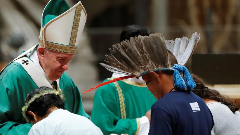 Zölibat: Bischöfe wollen Priesteramt für verheiratete Männer