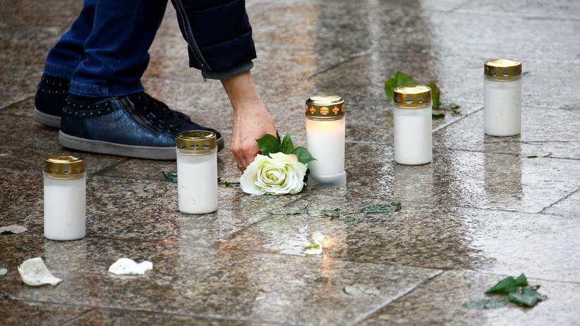 Extremismus: Gedenken an die Opfer des Anschlags auf den Berliner Weihnachtsmarkt an der Gedächtniskirche 2016