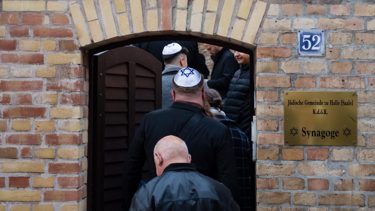 Antisemitismus: Synagogentür in Halle wird Kunstobjekt